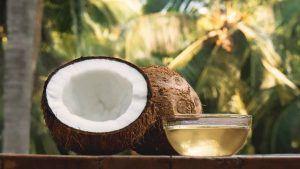 Cómo revivir el cabello usando aceite de coco