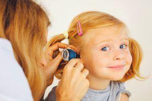 Mi hijo tiene otitis: ¿qué debo hacer?